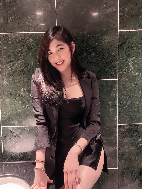 "Soi profile ""hot girl banh trang"" danh guc trai tim chang streamer noi tieng-Hinh-10"