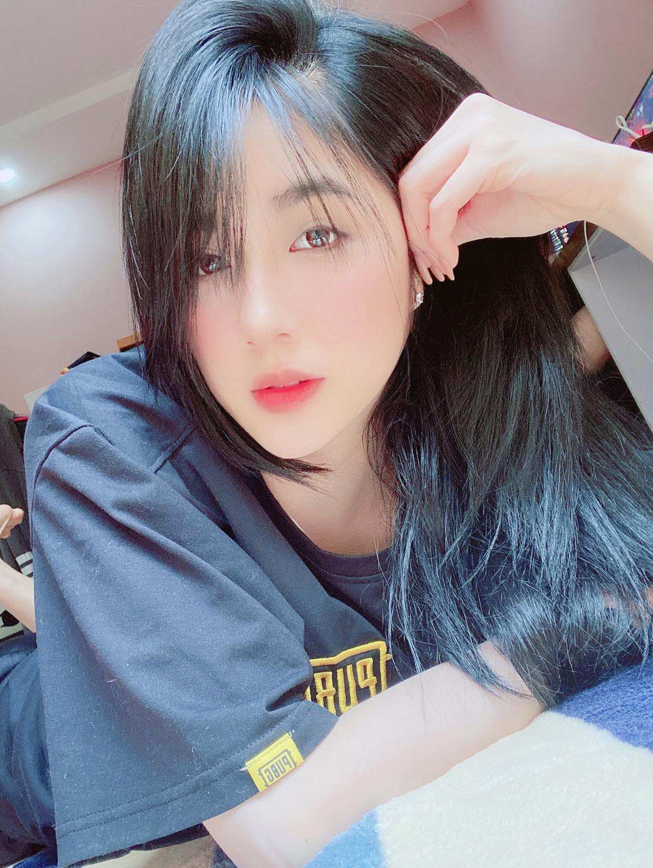 "Soi profile ""hot girl banh trang"" danh guc trai tim chang streamer noi tieng-Hinh-11"