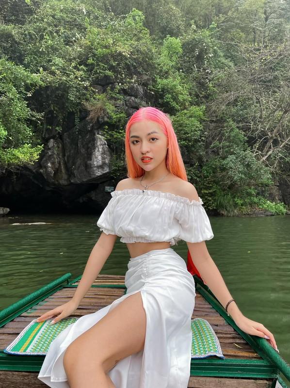 """Nhuom toc hong, """"hot girl bap can bo"""" gap ngay tai nan song ao-Hinh-3"""