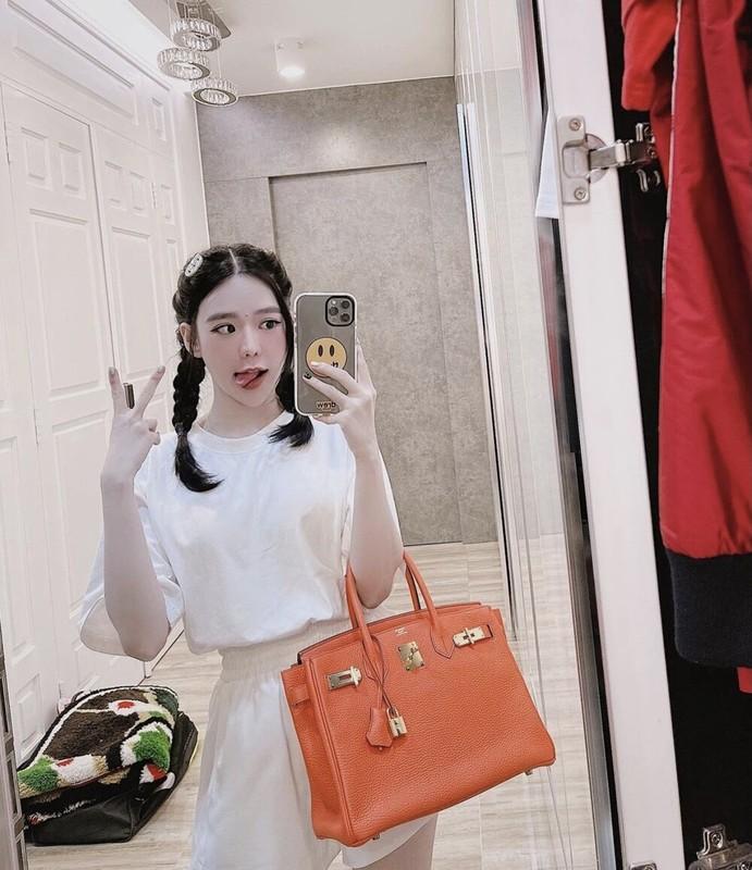 Hot girl so huong Sai thanh lo do
