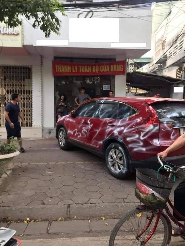 """Đỗ xe vô ý thức, netizen đưa """"độc chiêu"""" trừng trị tài xế"""