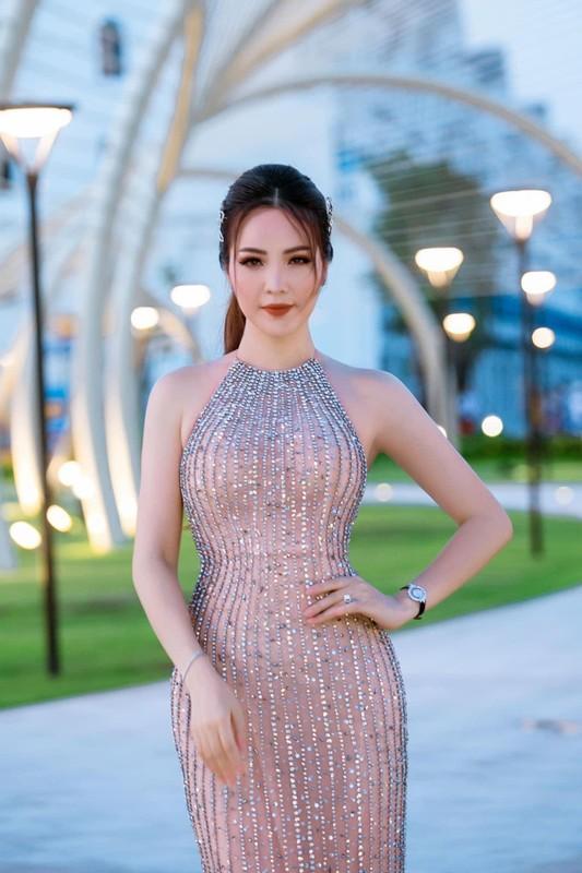 Dang cap thoi trang cua bo ba giam khao Hoa hau Viet Nam 2020-Hinh-9