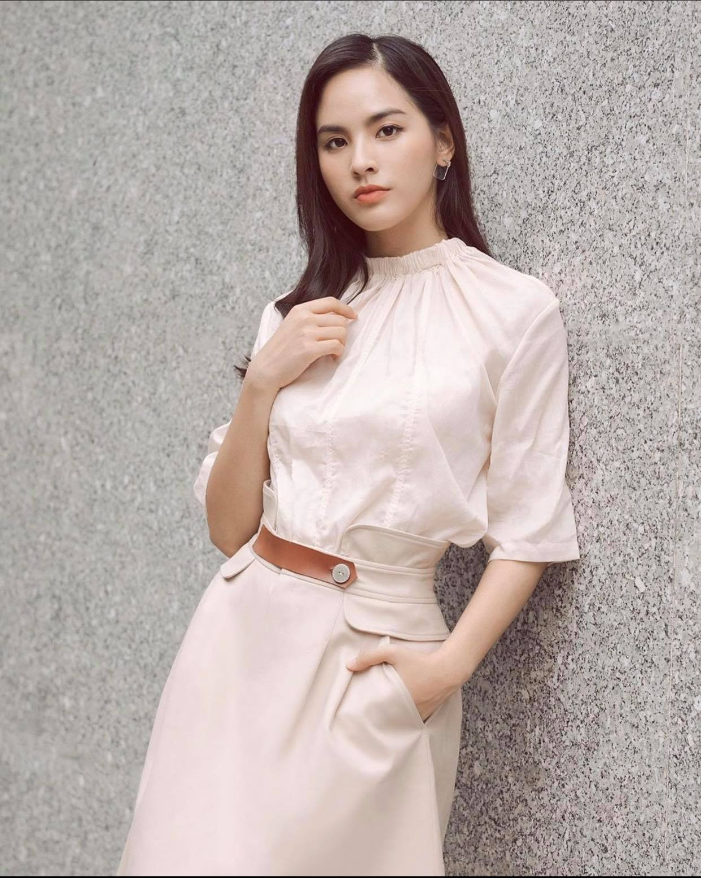 "Phong cach gian di cua nu MC gay sot tai ""Chuyen dong 24h""-Hinh-10"
