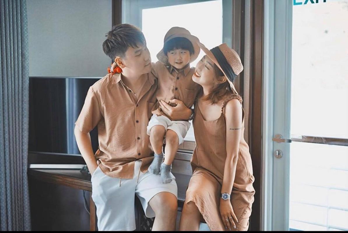 De thuong nhu gia dinh Xoai di dau cung mac dong phuc ton-sur-ton-Hinh-3