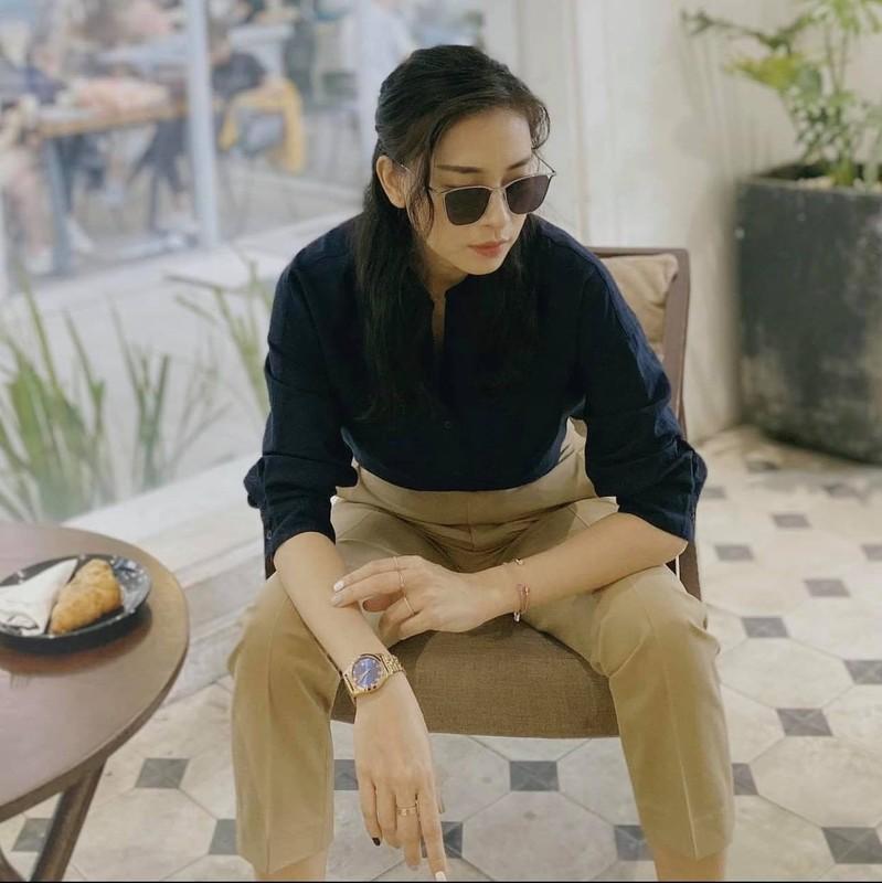 "Ngo Thanh Van nhu ""gai doi muoi"" nho gu thoi trang tuoi tre"