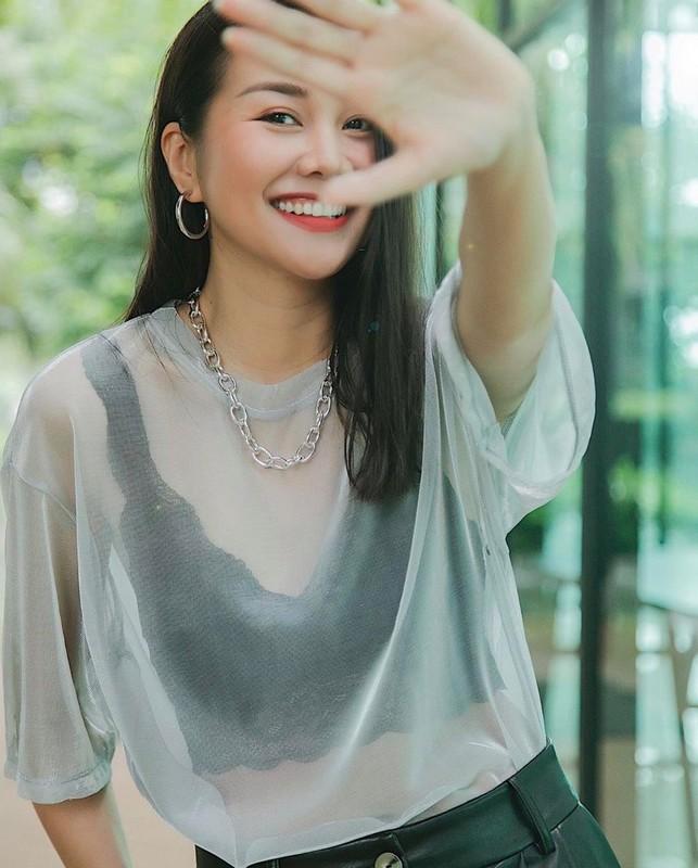 "Thanh Hang ""tha rong"" vong 1 sieu goi cam cung phu kien Chanel-Hinh-6"