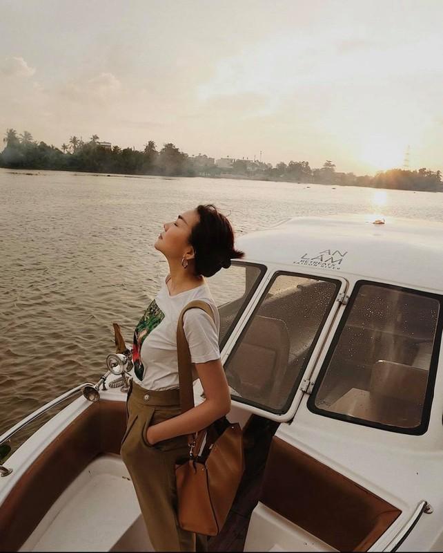 Thanh Hang nghe me dan dien vay banh beo, khoe kheo tu do hieu-Hinh-2