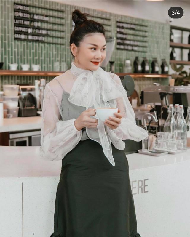 Thanh Hang nghe me dan dien vay banh beo, khoe kheo tu do hieu-Hinh-4