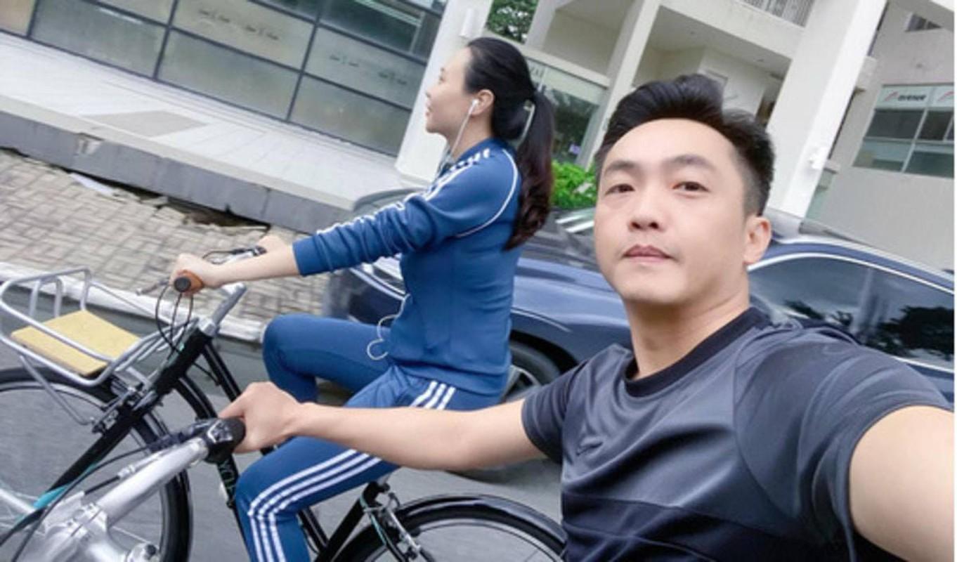 Sao Viet pose dang nong bong cung xe dap, bo mon ren suc khoe yeu thich-Hinh-3