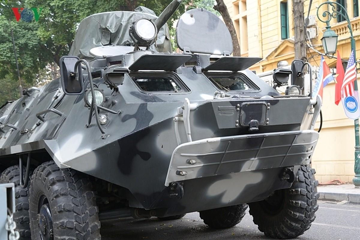 Can canh xe thiet giap BTR-60PB trong bien che quan doi Viet Nam-Hinh-2