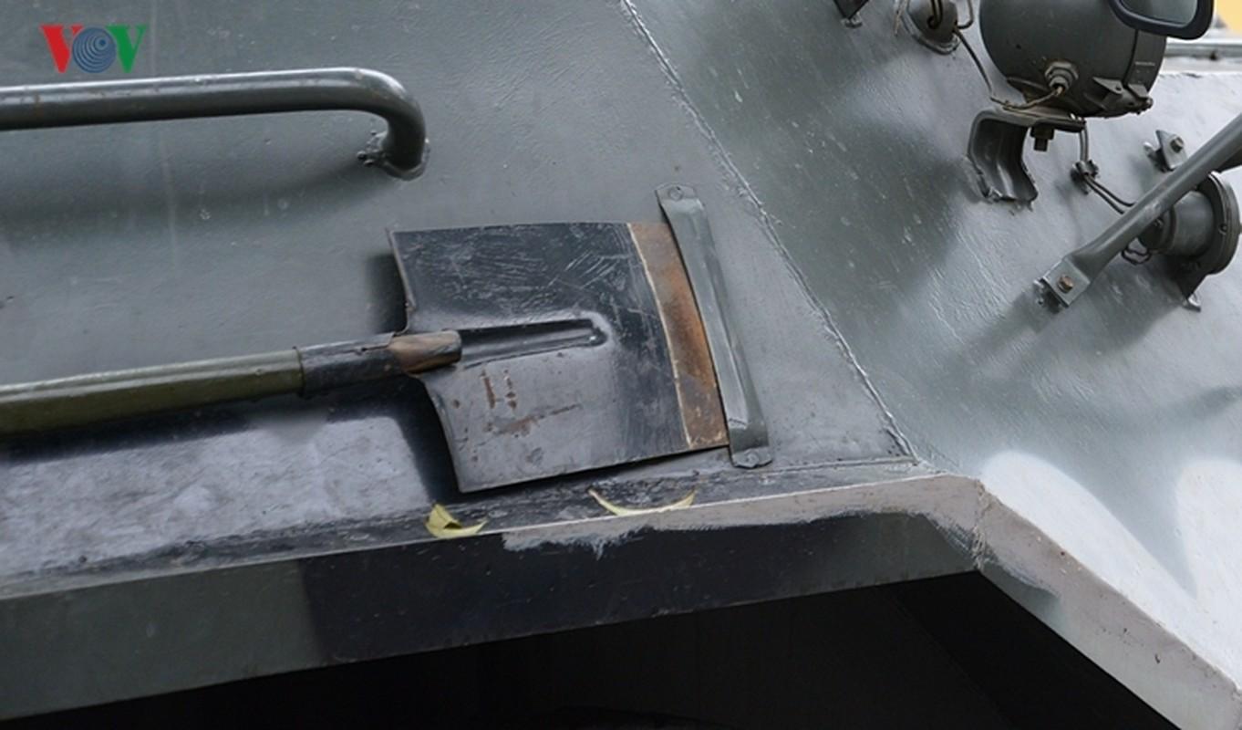 Can canh xe thiet giap BTR-60PB trong bien che quan doi Viet Nam-Hinh-21