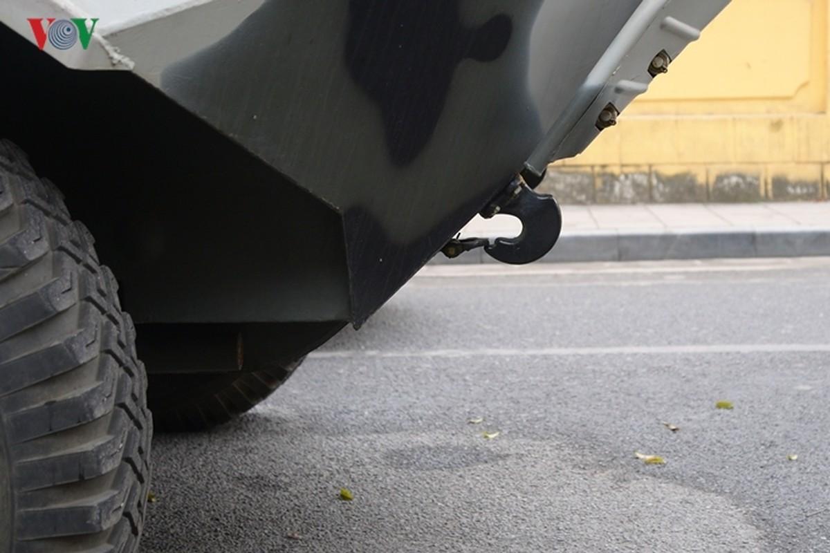Can canh xe thiet giap BTR-60PB trong bien che quan doi Viet Nam-Hinh-23