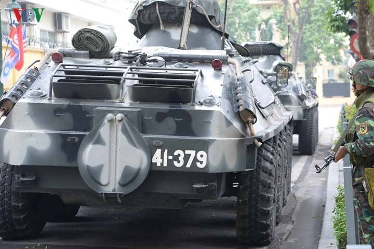 Can canh xe thiet giap BTR-60PB trong bien che quan doi Viet Nam-Hinh-4