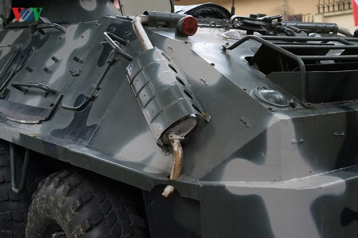 Can canh xe thiet giap BTR-60PB trong bien che quan doi Viet Nam-Hinh-5