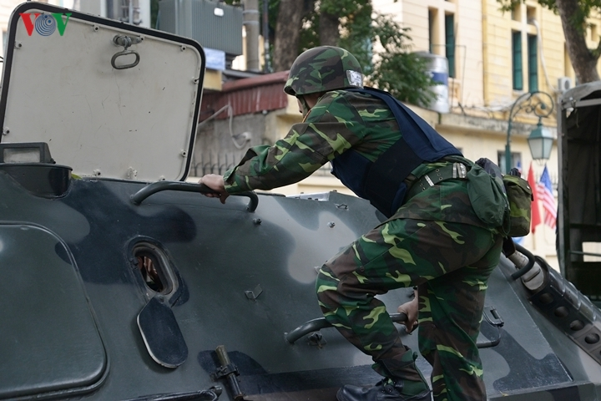 Can canh xe thiet giap BTR-60PB trong bien che quan doi Viet Nam-Hinh-8