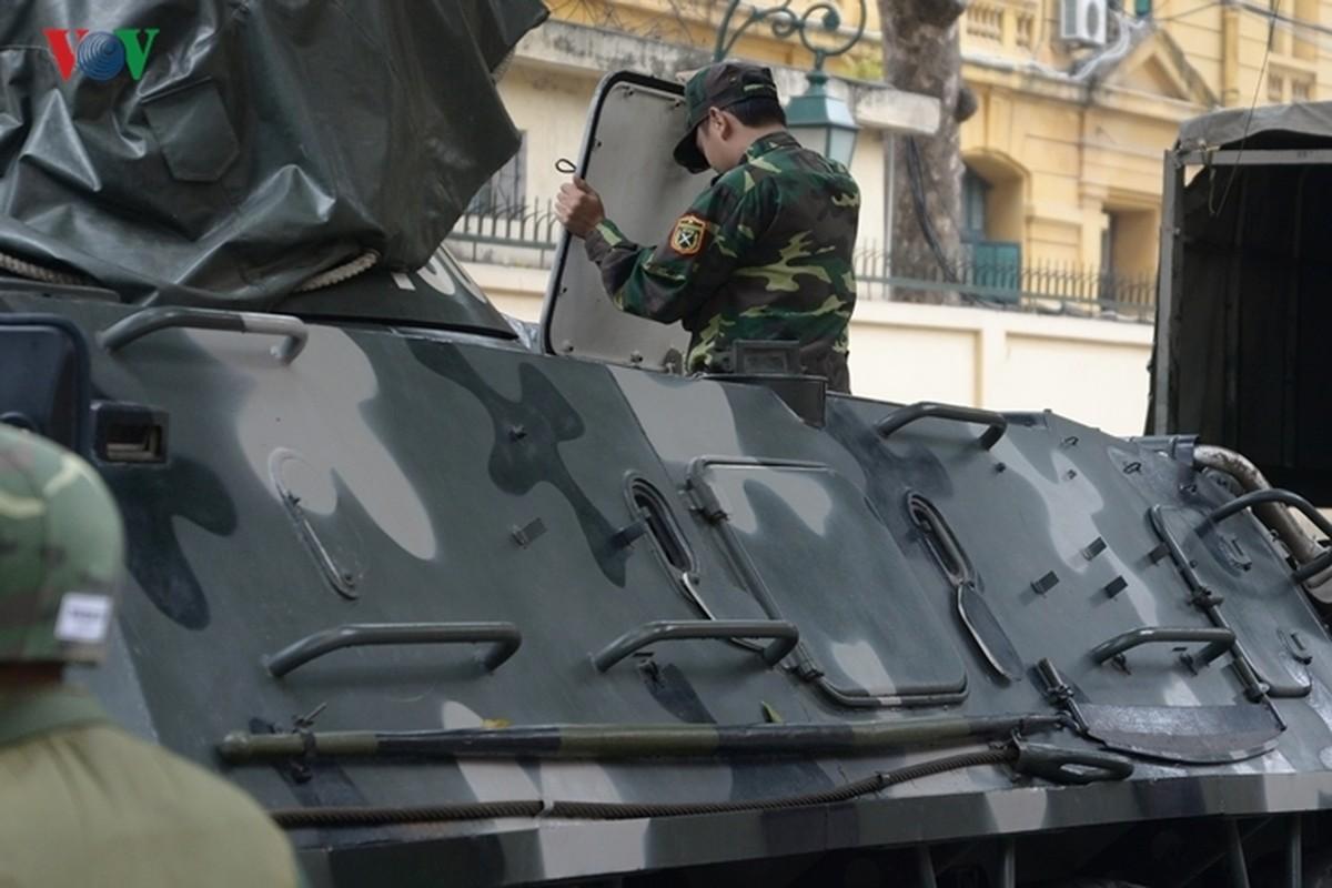 Can canh xe thiet giap BTR-60PB trong bien che quan doi Viet Nam-Hinh-9