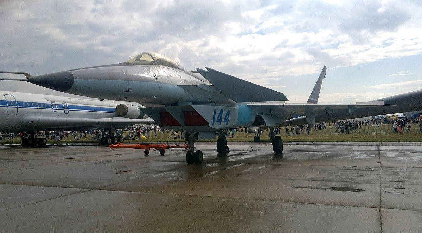 Nga se khoi phuc tiem kich MiG-1.44 de dau voi F-22 My?-Hinh-6