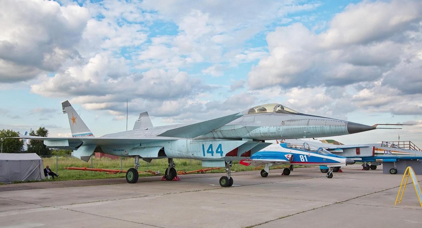 Nga se khoi phuc tiem kich MiG-1.44 de dau voi F-22 My?-Hinh-9