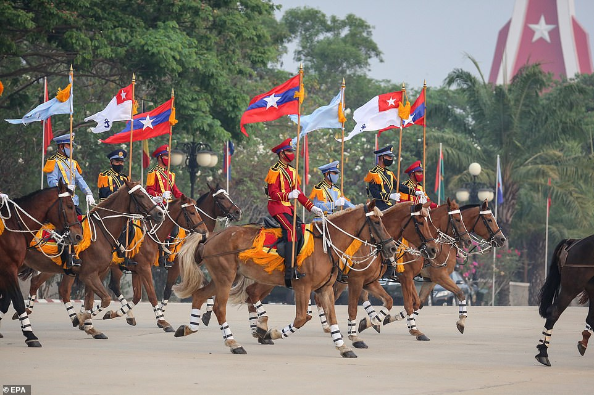 Dan vu khi khung cua Myanmar trong le duyet binh giua bien dong-Hinh-3