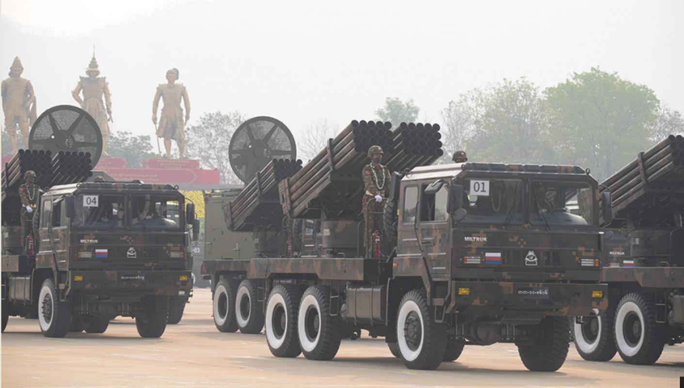 Dan vu khi khung cua Myanmar trong le duyet binh giua bien dong-Hinh-5
