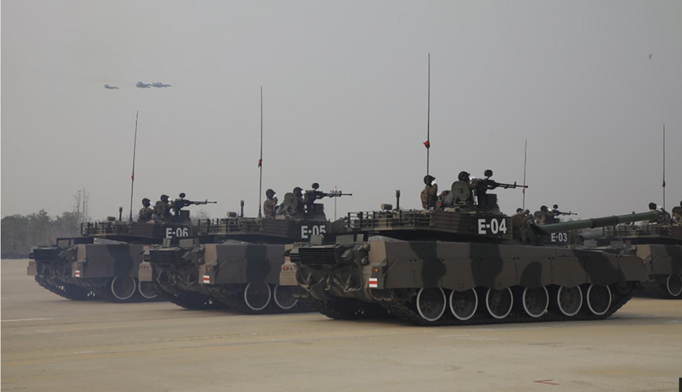 Dan vu khi khung cua Myanmar trong le duyet binh giua bien dong-Hinh-6