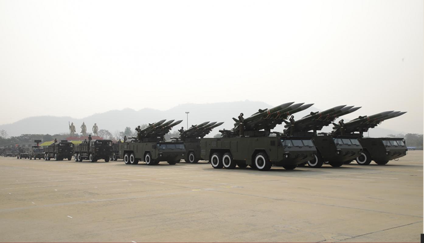 Dan vu khi khung cua Myanmar trong le duyet binh giua bien dong-Hinh-7
