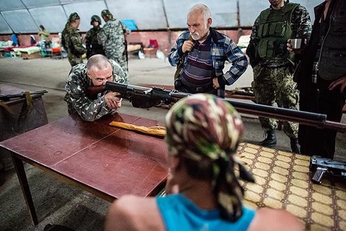 Quan ly khai dung sung chong tang Lien Xo de khoan thung xe boc thep Ukraine-Hinh-15