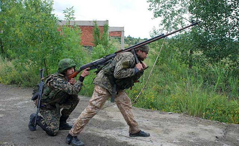 Quan ly khai dung sung chong tang Lien Xo de khoan thung xe boc thep Ukraine-Hinh-3