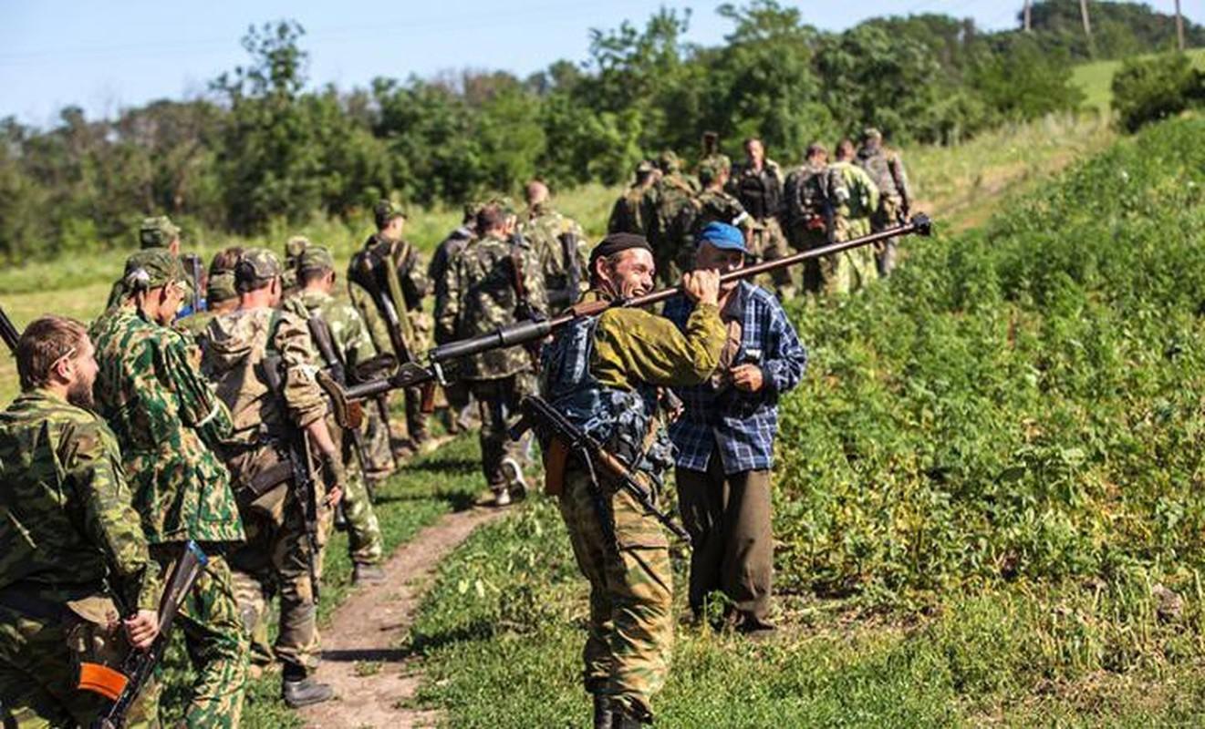 Quan ly khai dung sung chong tang Lien Xo de khoan thung xe boc thep Ukraine-Hinh-4