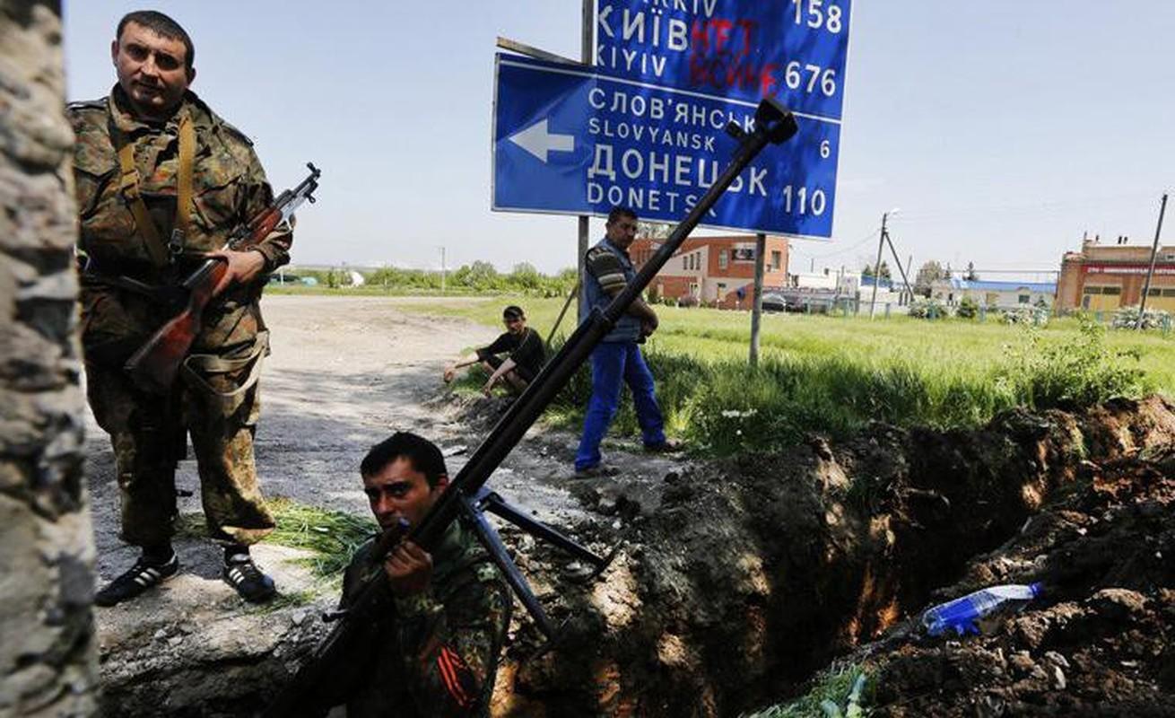 Quan ly khai dung sung chong tang Lien Xo de khoan thung xe boc thep Ukraine-Hinh-6