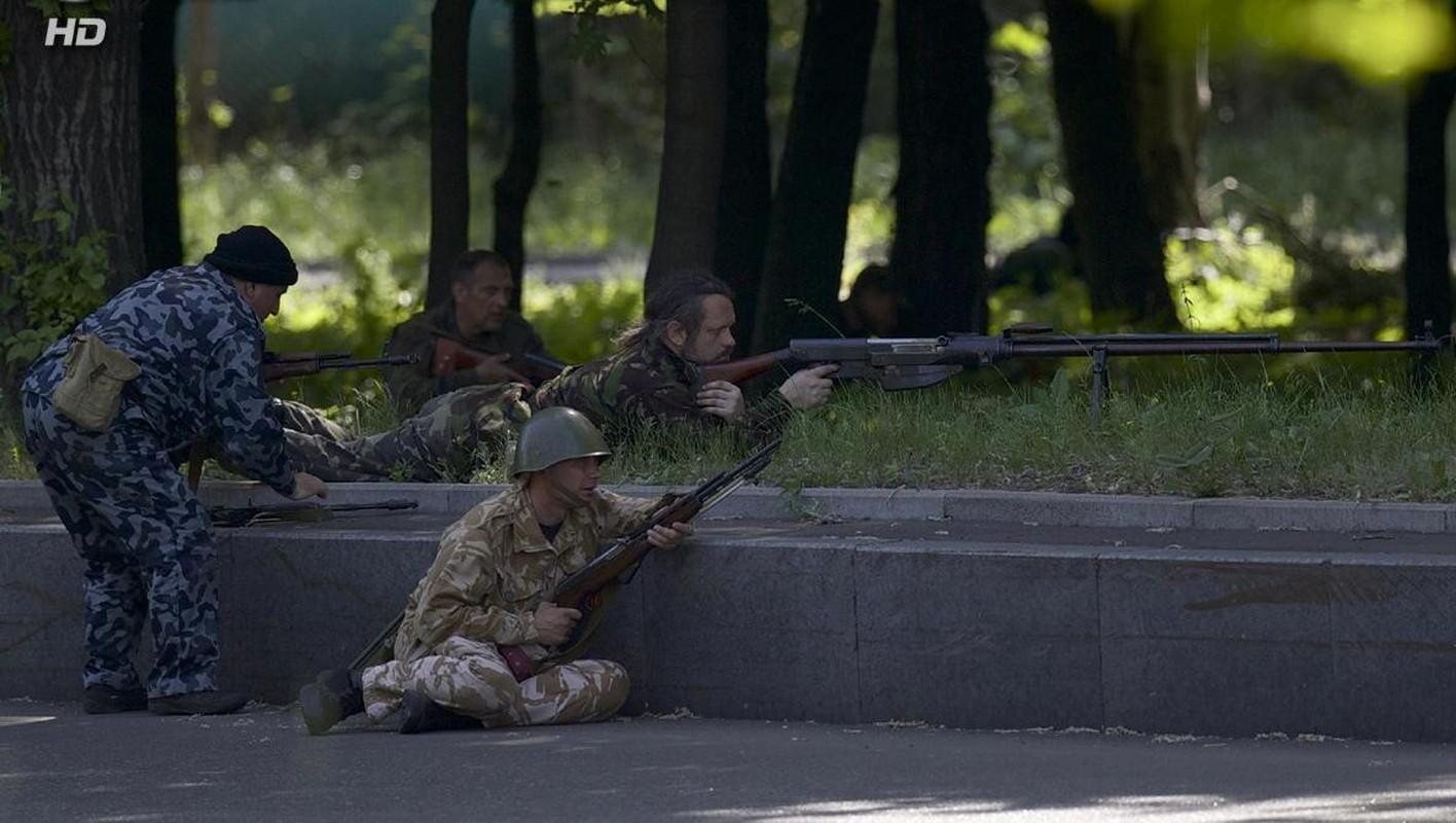Quan ly khai dung sung chong tang Lien Xo de khoan thung xe boc thep Ukraine-Hinh-9