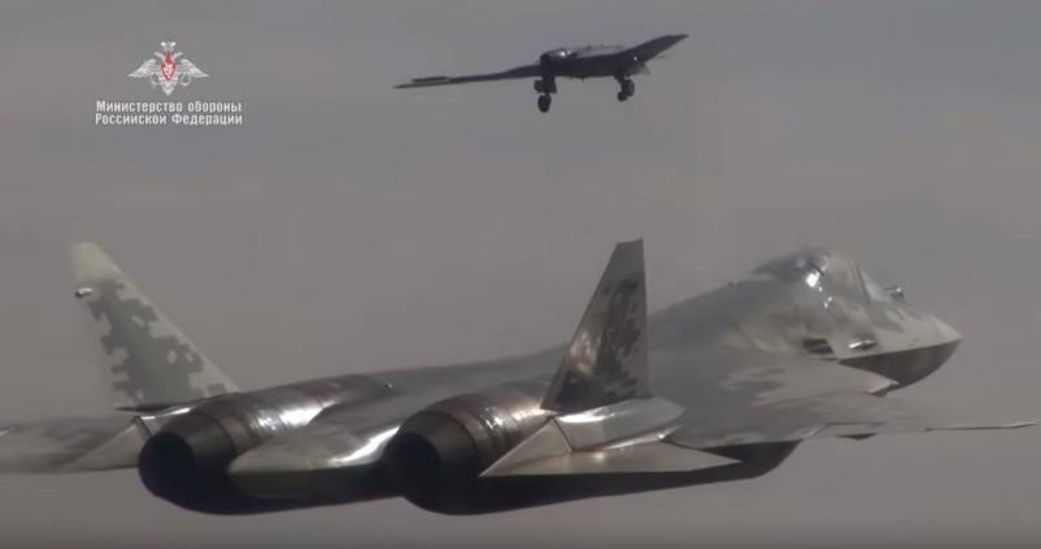 Nong: Tiem kich Su-57 mang duoc toi da 16 tan vu khi!-Hinh-14