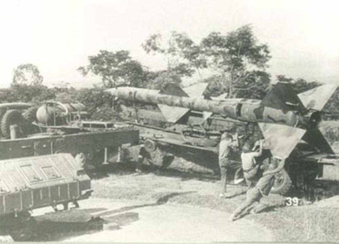 Noi tang ten lua SAM2 cua Viet Nam de ban B-52 co kho khong?-Hinh-13