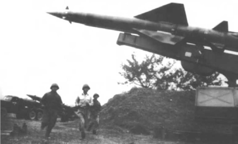 Noi tang ten lua SAM2 cua Viet Nam de ban B-52 co kho khong?-Hinh-3
