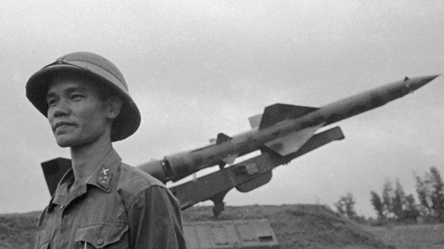 Noi tang ten lua SAM2 cua Viet Nam de ban B-52 co kho khong?-Hinh-6