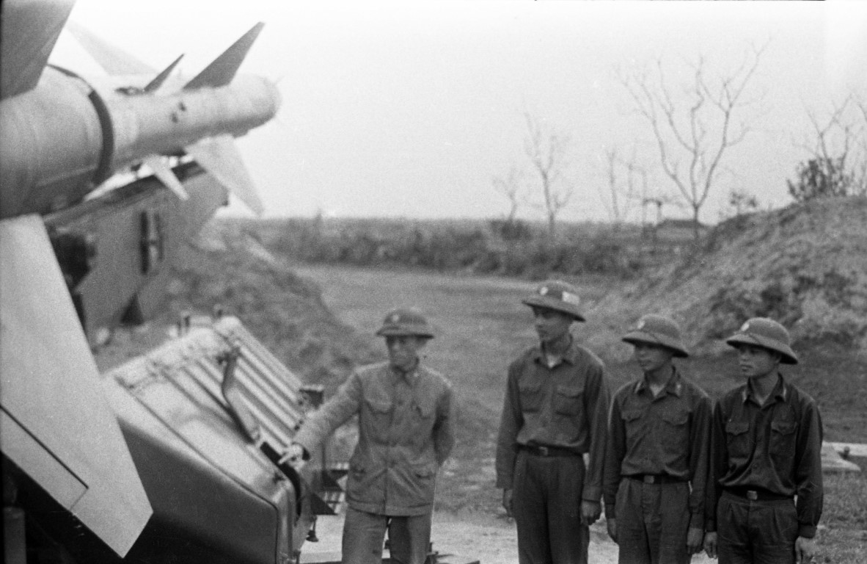 Noi tang ten lua SAM2 cua Viet Nam de ban B-52 co kho khong?-Hinh-8