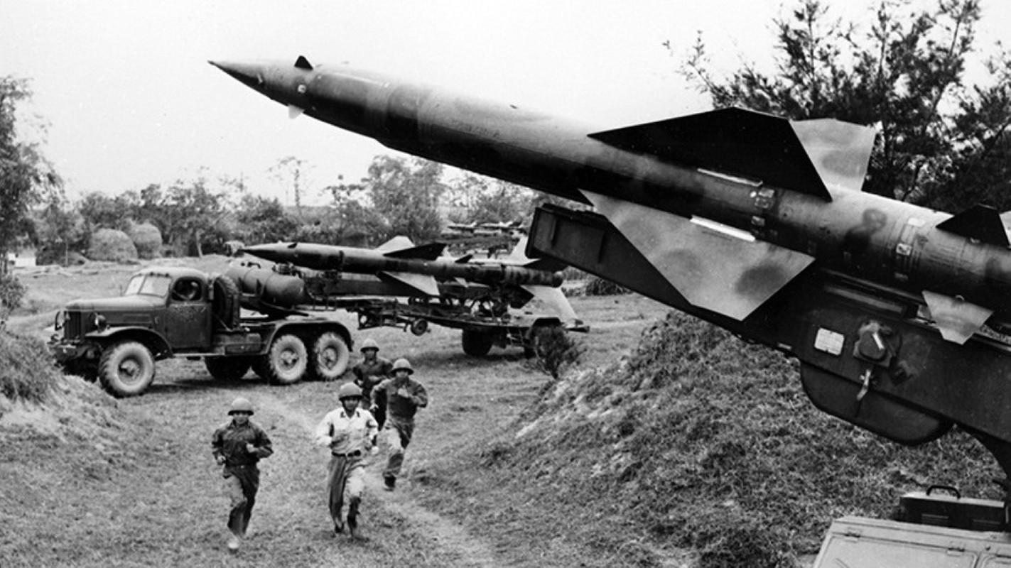 Noi tang ten lua SAM2 cua Viet Nam de ban B-52 co kho khong?-Hinh-9