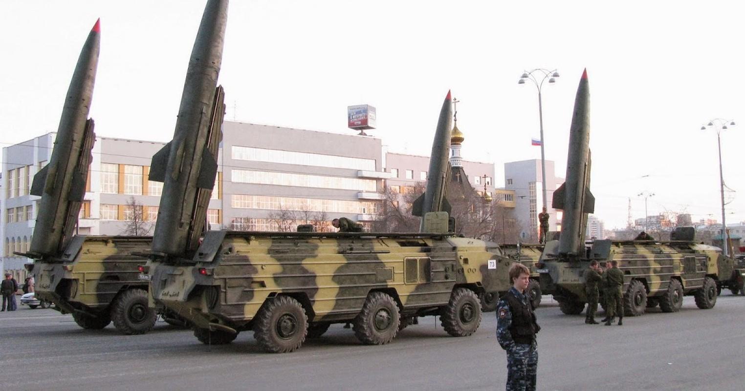 Belarus: Xe cho ten lua Tochka-U dam sap nha dan-Hinh-2