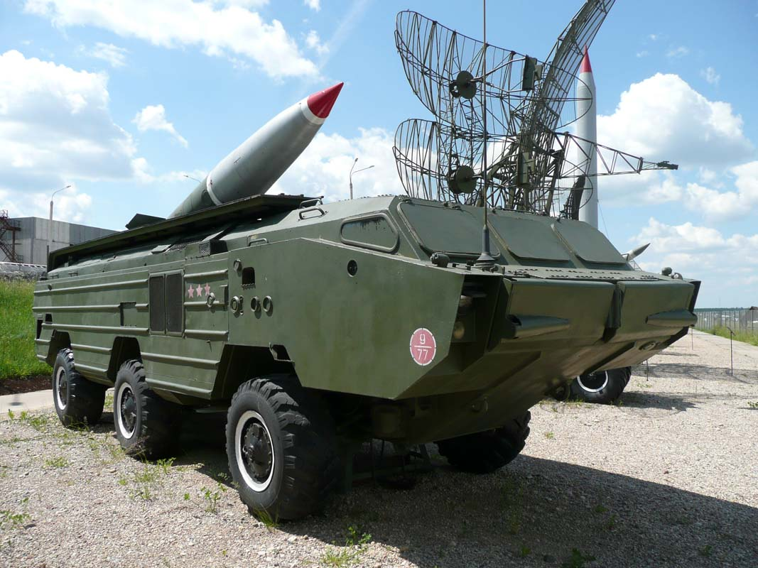 Belarus: Xe cho ten lua Tochka-U dam sap nha dan-Hinh-5