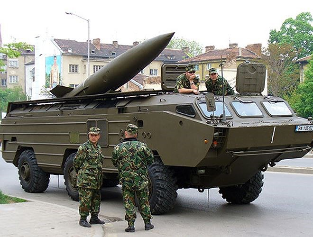 Belarus: Xe cho ten lua Tochka-U dam sap nha dan-Hinh-6