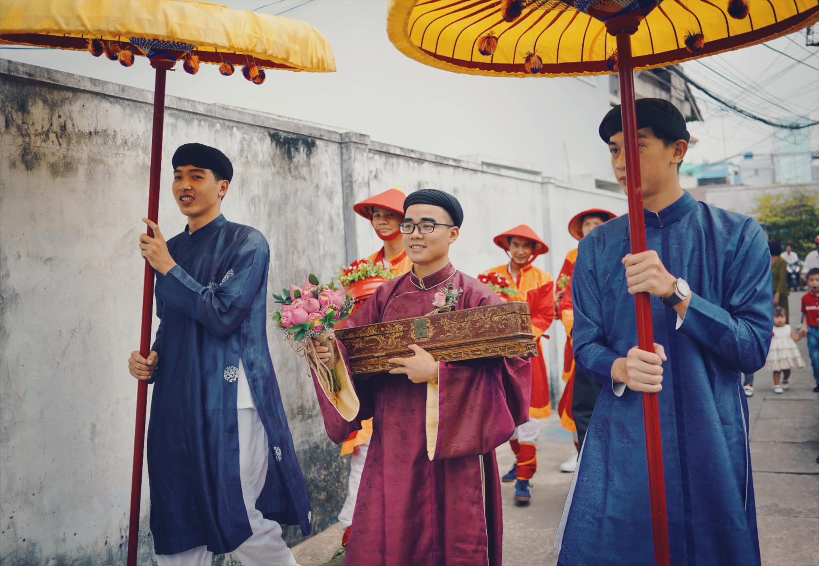 Co dau, chu re mac co phuc trieu Nguyen trong ngay cuoi gay sot-Hinh-7