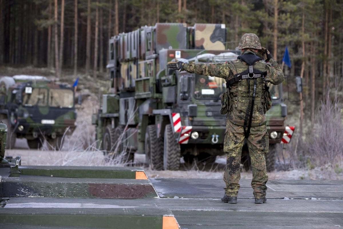 Nga soi ro tap tran lon nhat cua NATO ke tu Chien tranh Lanh-Hinh-3
