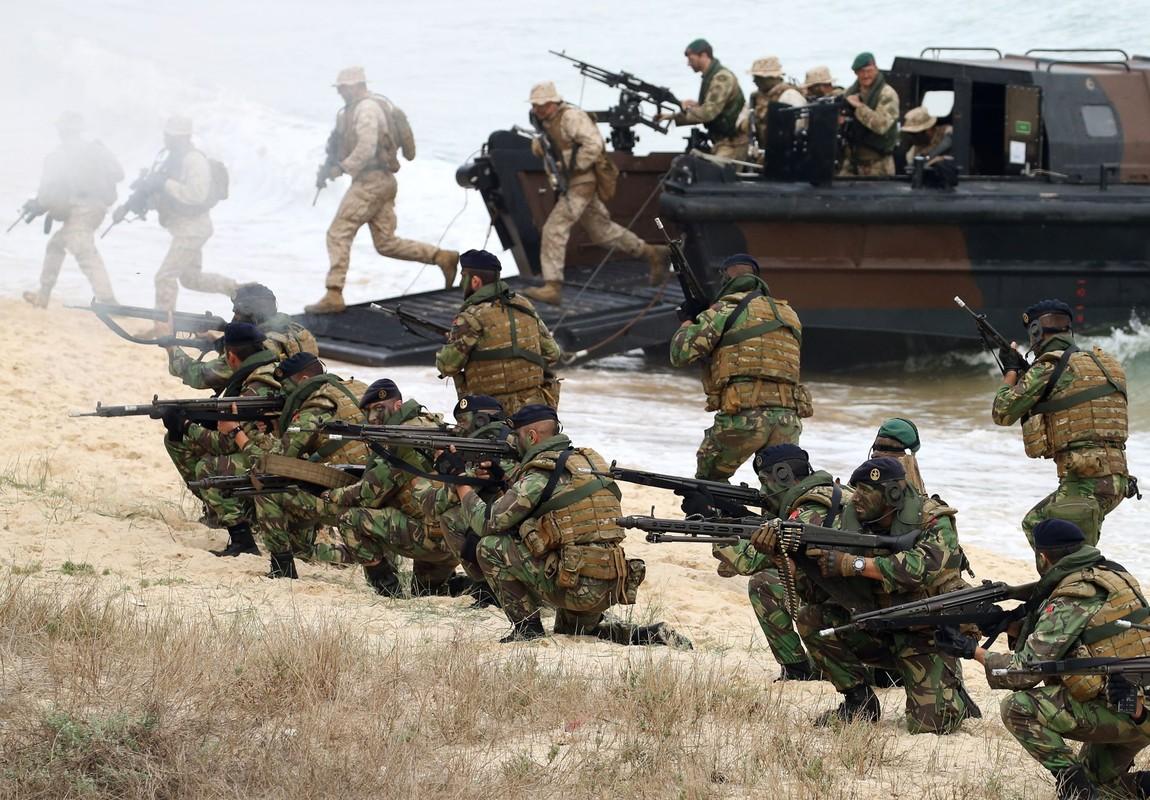 Nga soi ro tap tran lon nhat cua NATO ke tu Chien tranh Lanh-Hinh-4