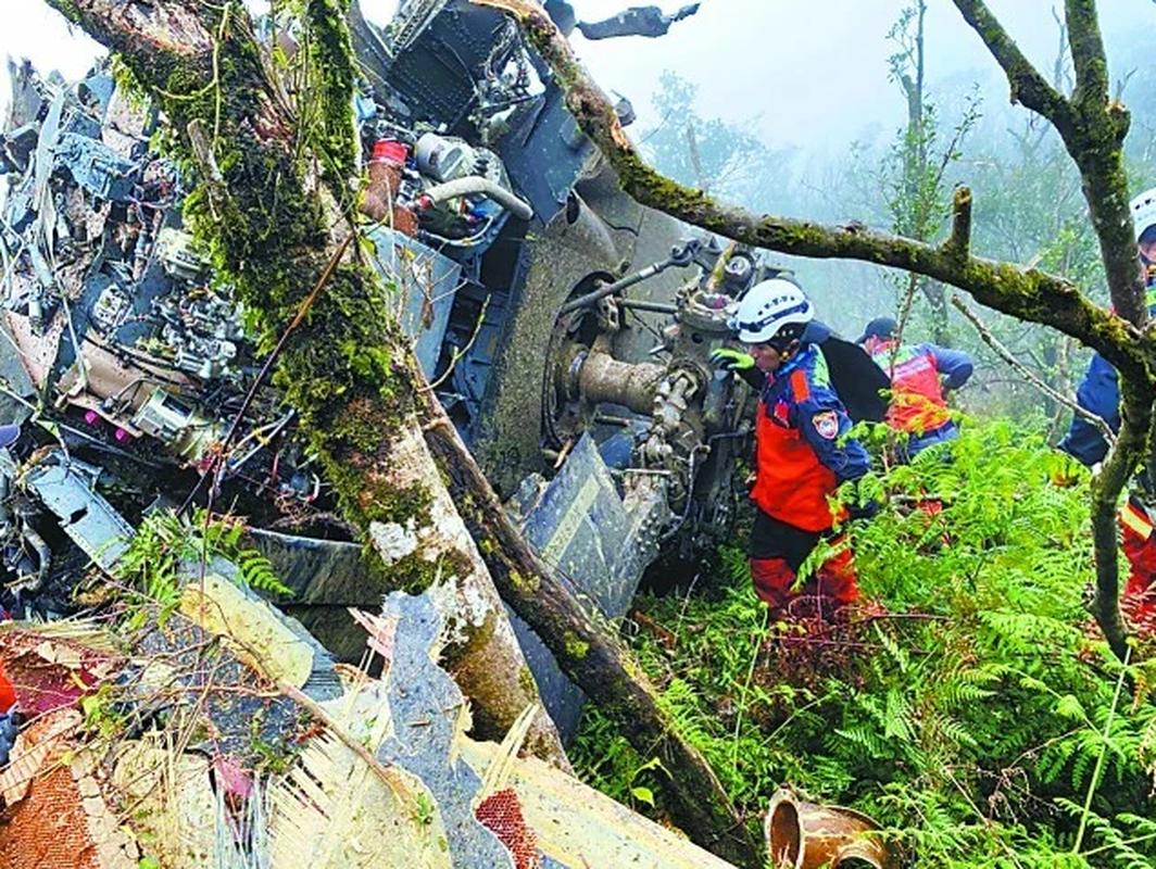 Truc thang UH-60M roi khien tuong Dai Loan thiet mang: Trung Quoc noi gi?-Hinh-4