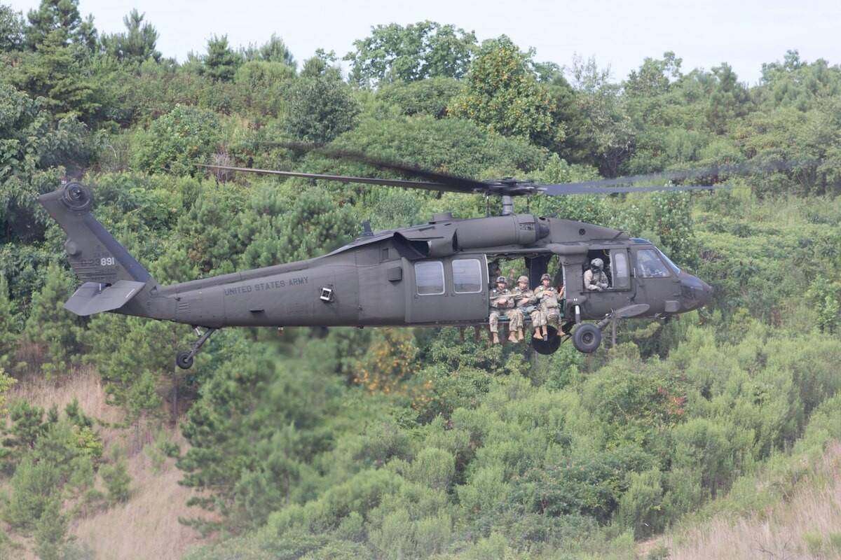 Truc thang UH-60M roi khien tuong Dai Loan thiet mang: Trung Quoc noi gi?-Hinh-8