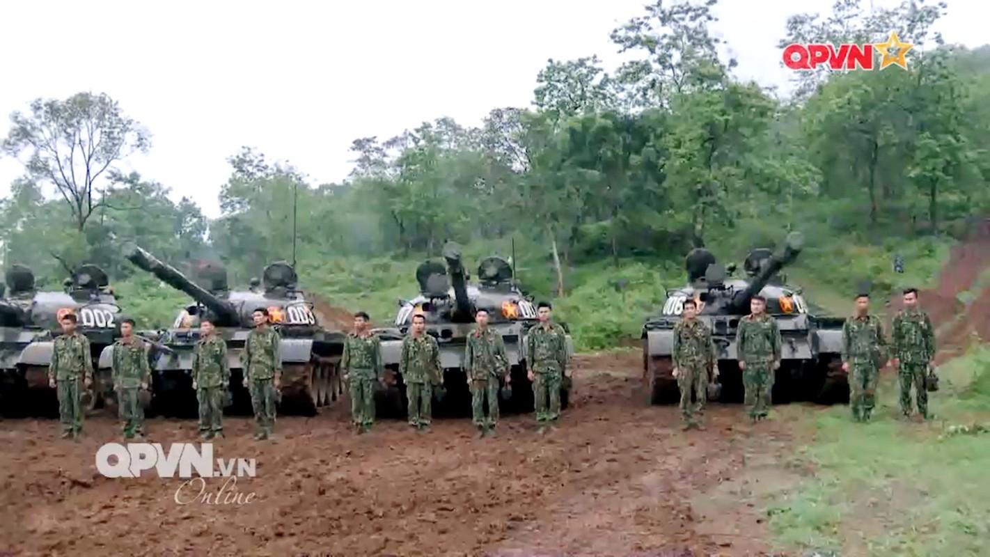 Lan dau tien xe tang T-62 Viet Nam xuat hien voi so luong lon-Hinh-2