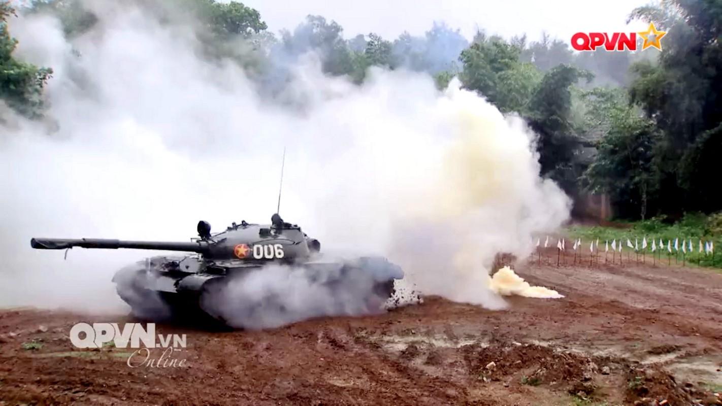 Lan dau tien xe tang T-62 Viet Nam xuat hien voi so luong lon-Hinh-6