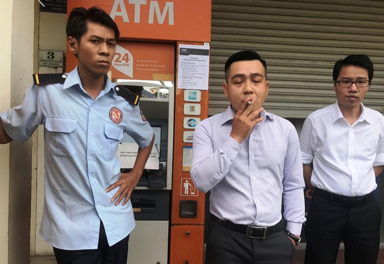 Hang loat may ATM BIDV, VIB, TP Bank ngung hoat dong ngay giap Tet-Hinh-11