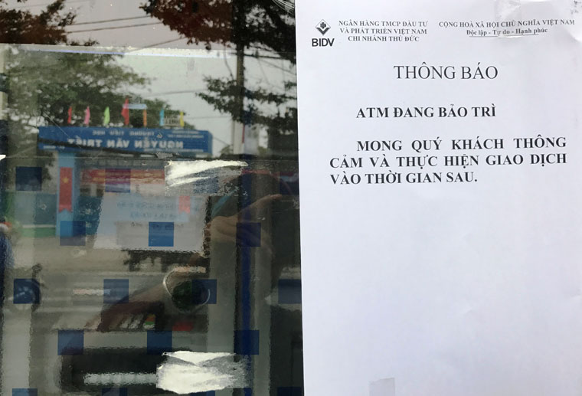 Hang loat may ATM BIDV, VIB, TP Bank ngung hoat dong ngay giap Tet-Hinh-2