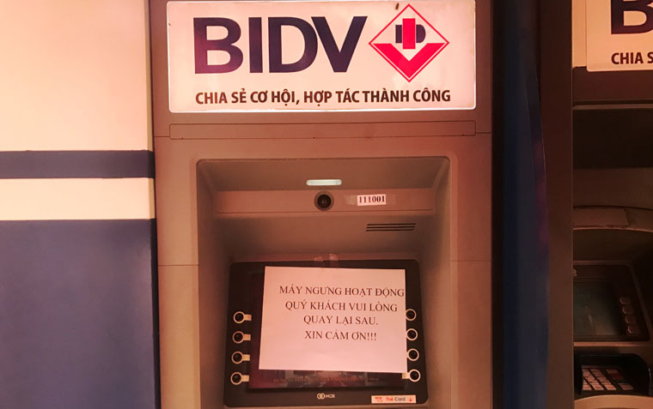 Hang loat may ATM BIDV, VIB, TP Bank ngung hoat dong ngay giap Tet-Hinh-3
